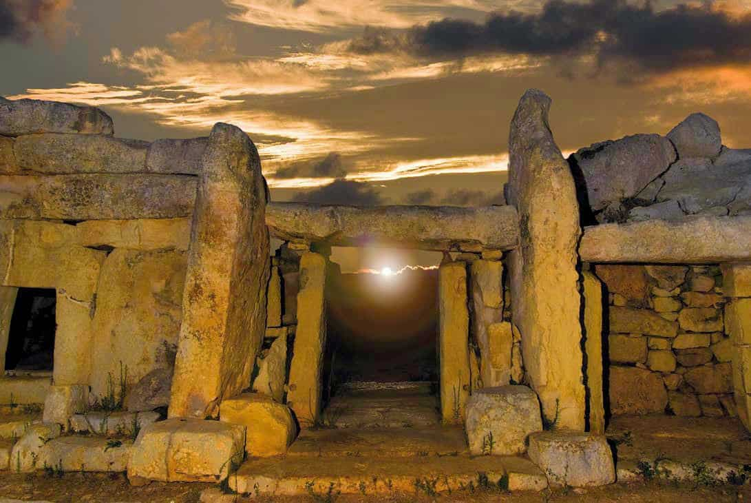mnajdra-equinox-sunrise-unesco